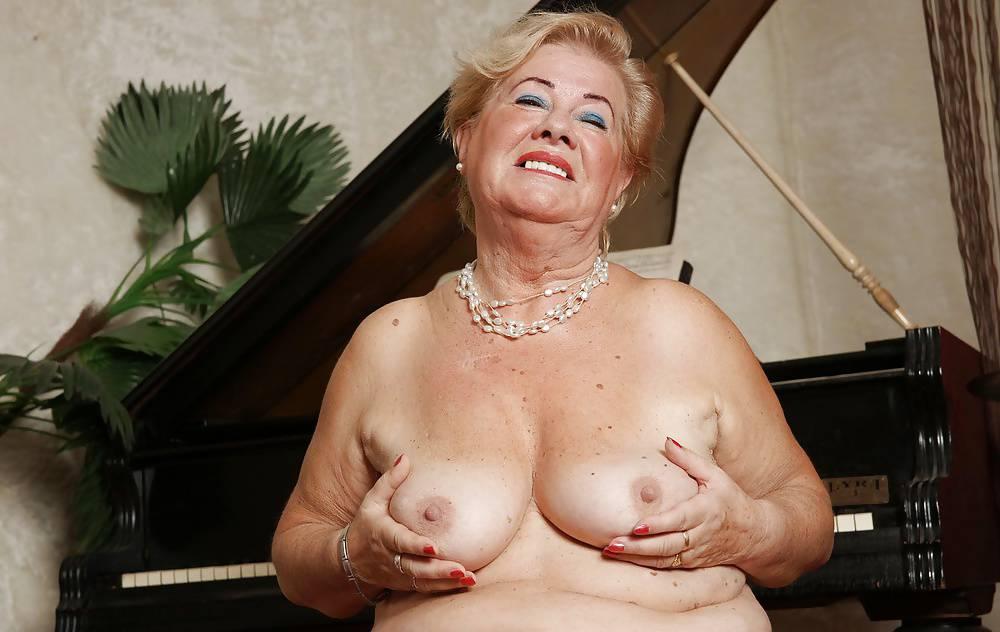 Granny Cam Strip Girl